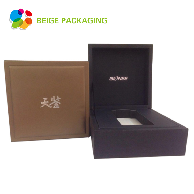 Electronic product packaging box with lid